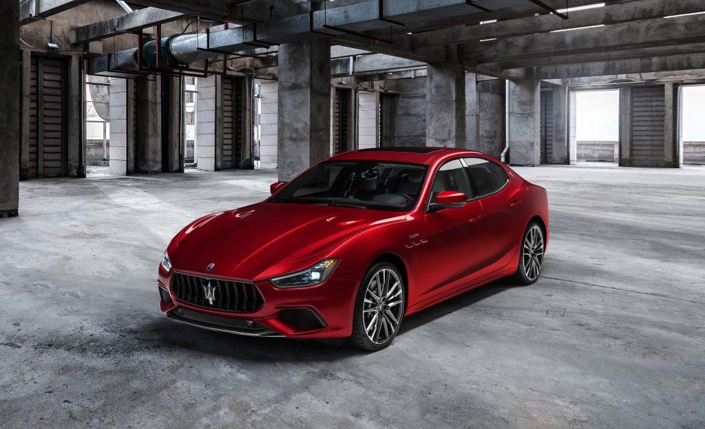 16736-MaseratiGhibliTrofeo