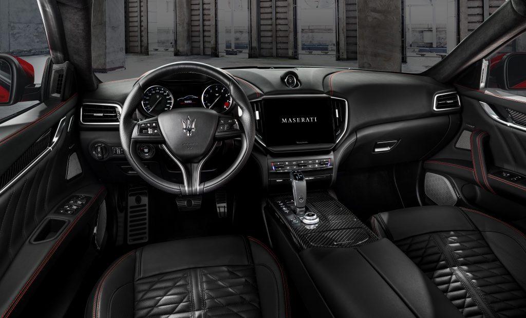 16742-MaseratiGhibliTrofeo