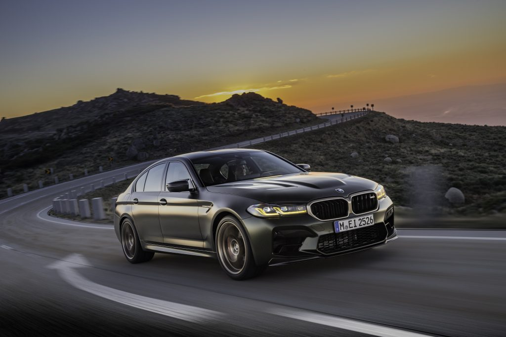 P90411242_highRes_the-new-bmw-m5-cs-sc