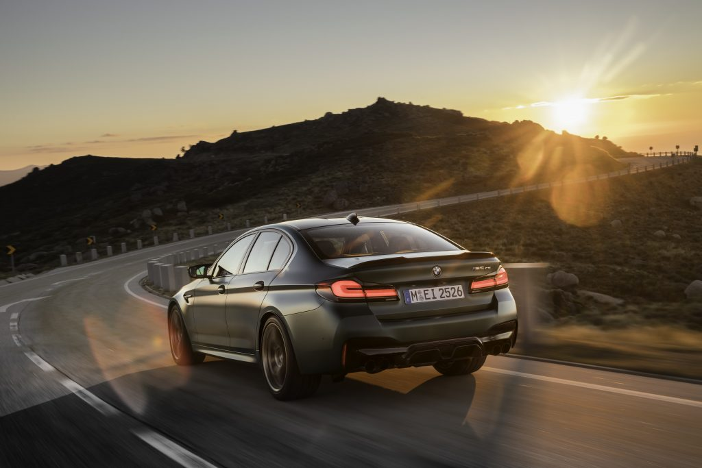 P90411251_highRes_the-new-bmw-m5-cs-sc
