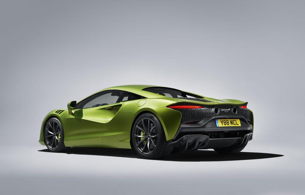 Large-12920-McLarenArtura
